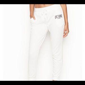 NWT VS WHITE LIGHT WEIGHT LOUNGE SWEAT PANTS